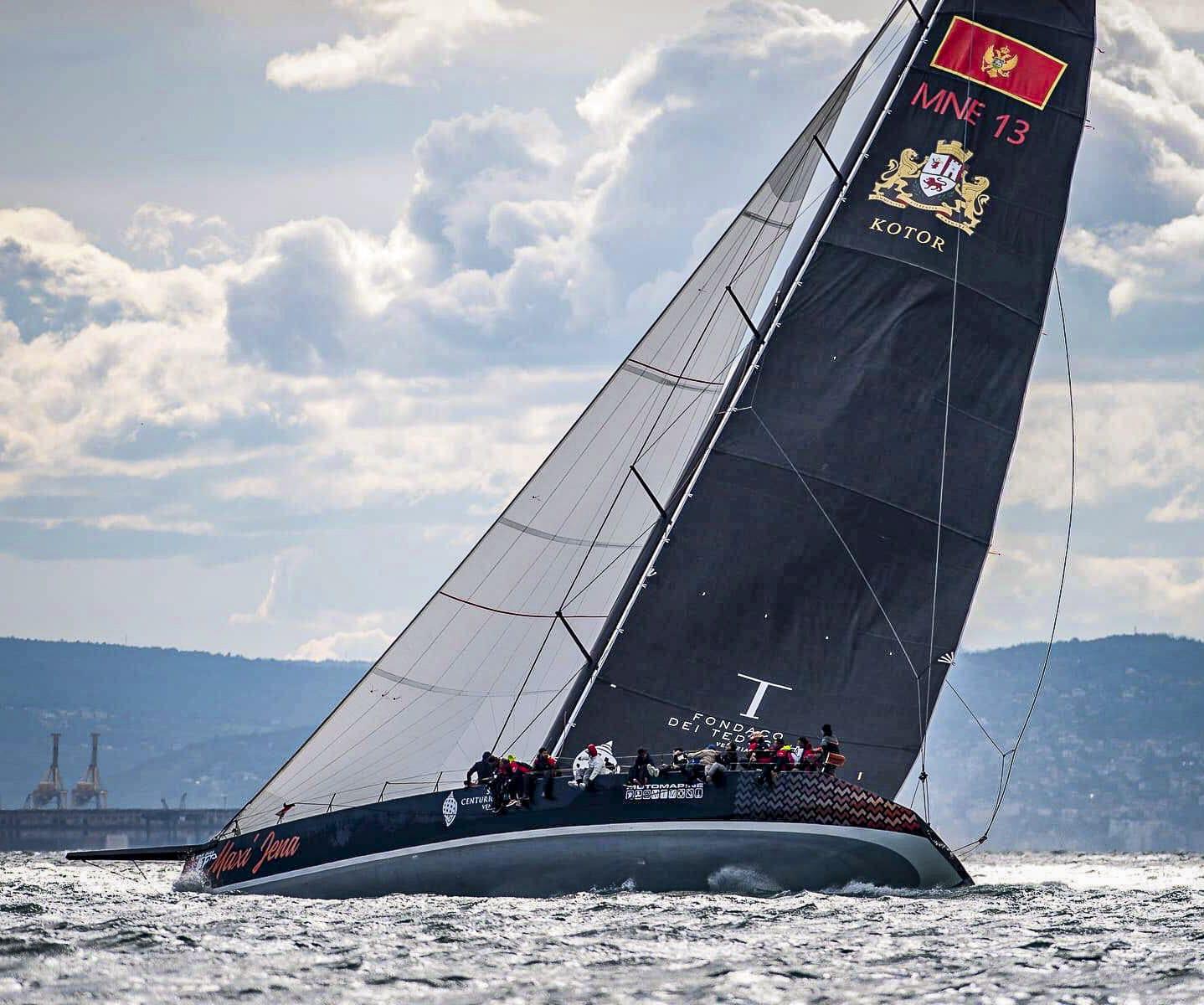 Maxi Jena impegnata alla Barcolana 53 - 2021